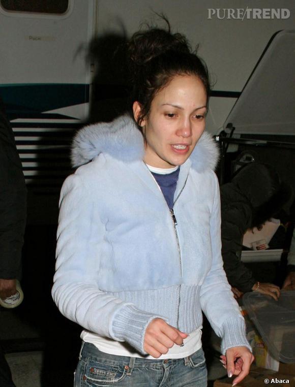 Flop :  On a connu Jennifer Lopez plus en forme. Les yeux cernés et les rougeurs apparentes jouent un peu sur le sex appeal de la bomba latina.