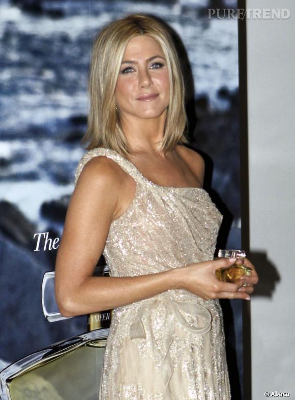 Jennifer Aniston s'est, elle aussi, mise au parfum.