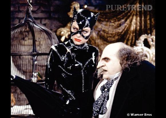 Et enfin, Michelle Pfeiffer en Catwoman, déjà sexy avant qu'Anne Hathaway reprenne le rôle !