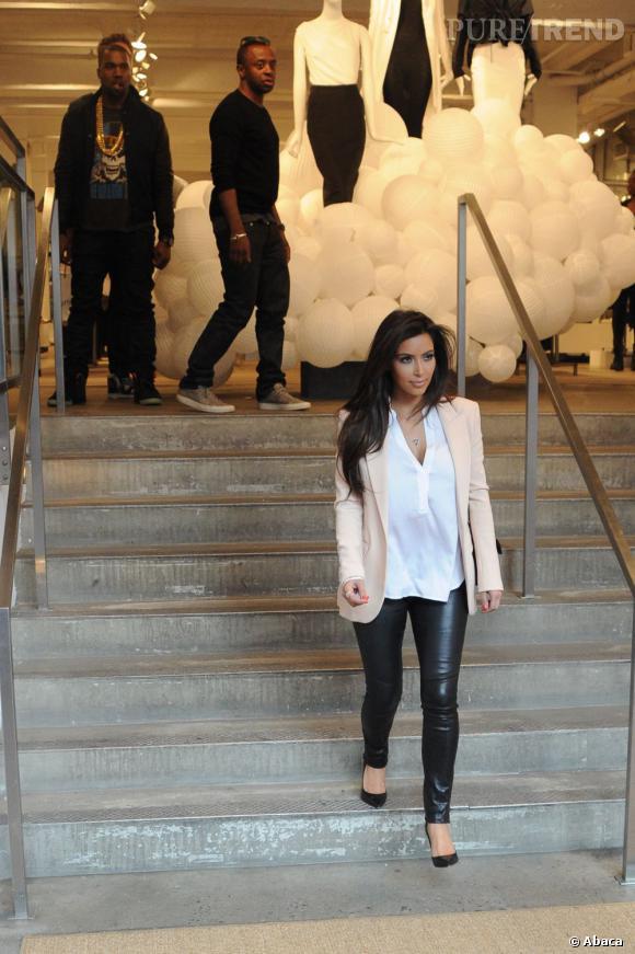 Kim Kardashian, fièrement matée par son boyfriend.