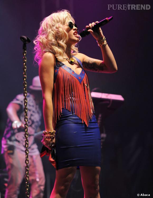 Rita Ora sur la scène du V Festival en Angleterre.
