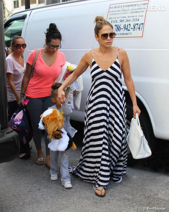 Jennifer Lopez en compagnie de sa famille dans les rues de Miami le 30 août dernier.