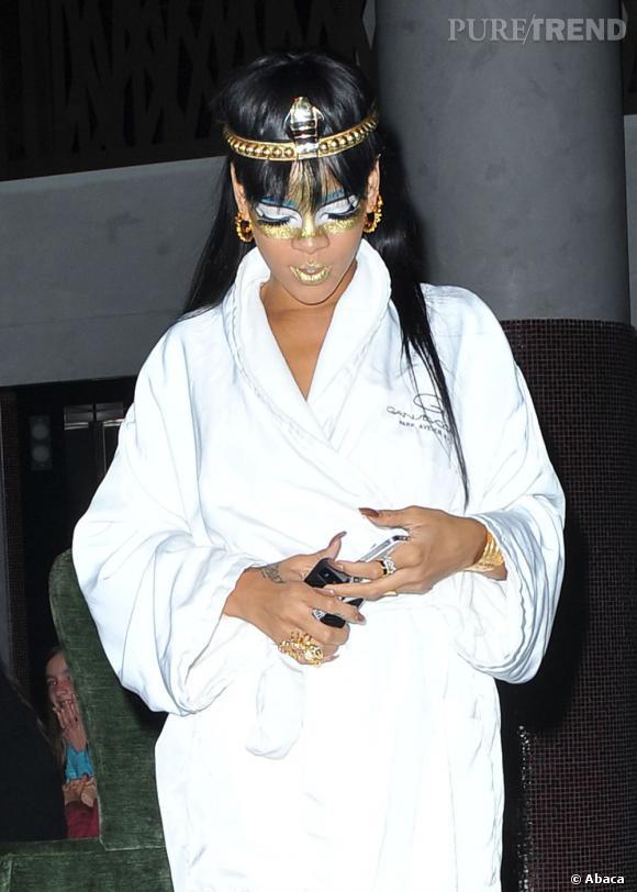 Il ya quelques mois, Rihanna jouait déjà les déesses avec un succès très mitigé.
