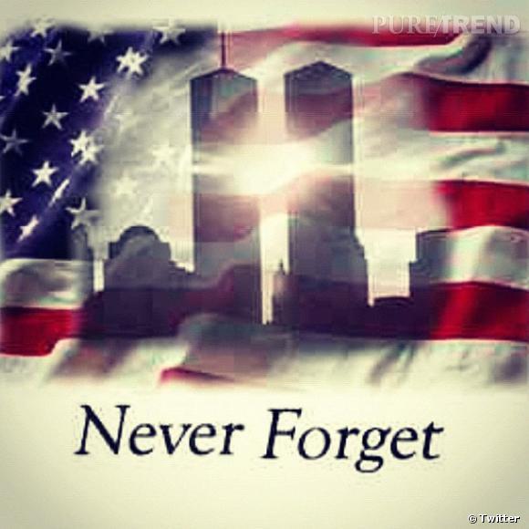 Rihanna poste deux photos pour le 11 septembre. Le World Trade Center sur fond de drapeau américain...