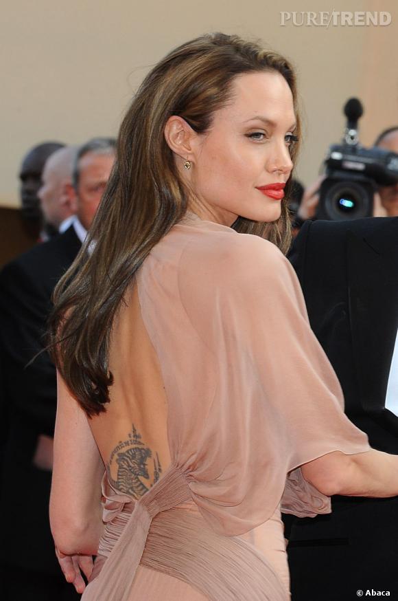 Angelina Jolie, tatouée et tellement sexy.