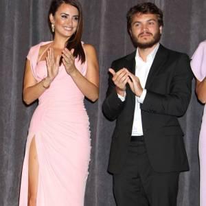 """Penelope Cruz et Emile Hirsch, réunient pour """"Venuto al Mondo"""" à Toronto."""