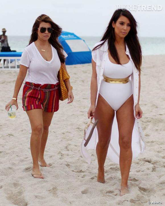 kim kardashian d tente en maillot de bain malgr le scandale des sex tapes puretrend. Black Bedroom Furniture Sets. Home Design Ideas