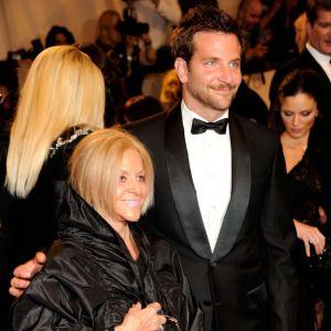 Bradley Cooper et Gloria sa maman entremetteuse.