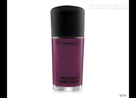 Vernis Dark Angel de M.A.C., 14 €.