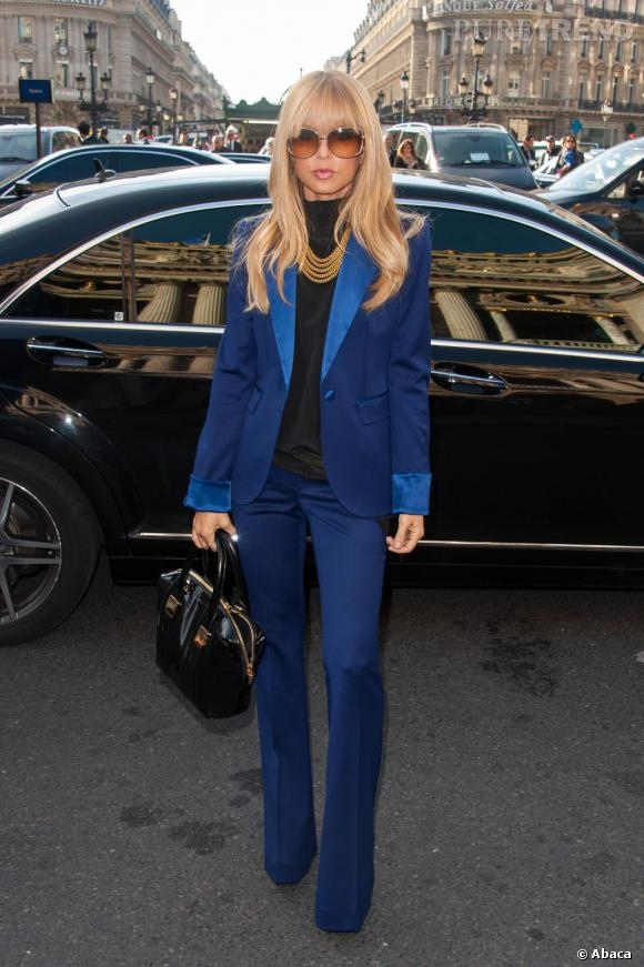 Rachel Zoe aussi opte pour le bleu, qu'elle porte en total look pour le défilé Stella McCartney.