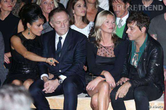 Salma Hayek, Francois-Henri Pinault, Kate Moss et Jamie Hinceen front row du défilé Saint Laurent Paris.