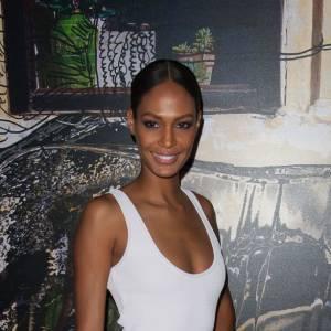 Jourdan Dunn choisit la simplicité pour l'after-party Givenchy.