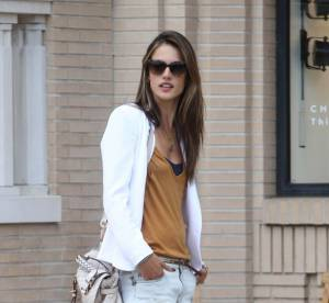 Alessandra Ambrosio : mini mini le short ! A shopper