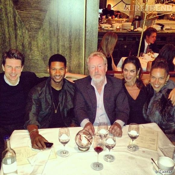 Pour son dîner d'anniversaire, Usher prend un verre avec Ridley Scott et Tom Cruise...