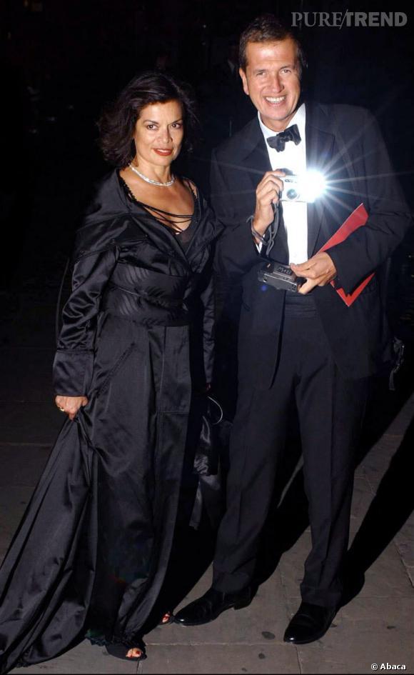 Mario Testino immortalisé par lui-même aux côtés de Bianca Jagger.