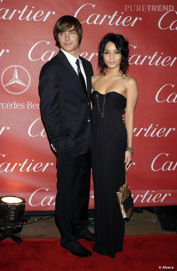 En 2007 :  Avec Vanessa Hudgens, il forme un jeune couple très raccord.