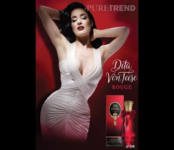 Dita Von Teese, sensuelle pour son parfum Rouge.