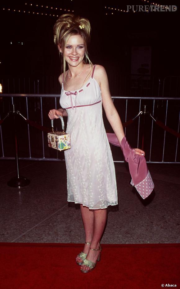 """Le flop """"babydoll"""" : lorsque Kristen se rêve en Barbie, cela donne ça. Un désastre en somme."""