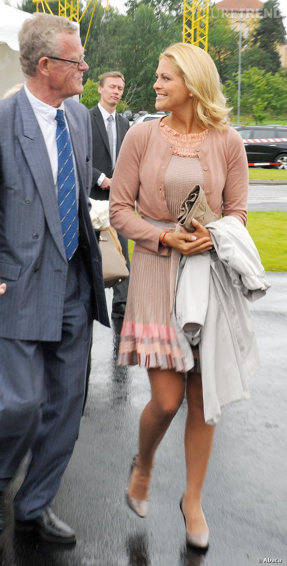 Princesse Madeleine, une future mariée allure preppy pastel.