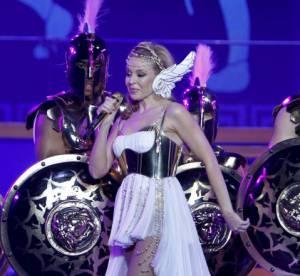 Kylie Minogue, 25 ans de style dans son livre Kylie/Fashion : Quand les fashionistas prennent la plume...