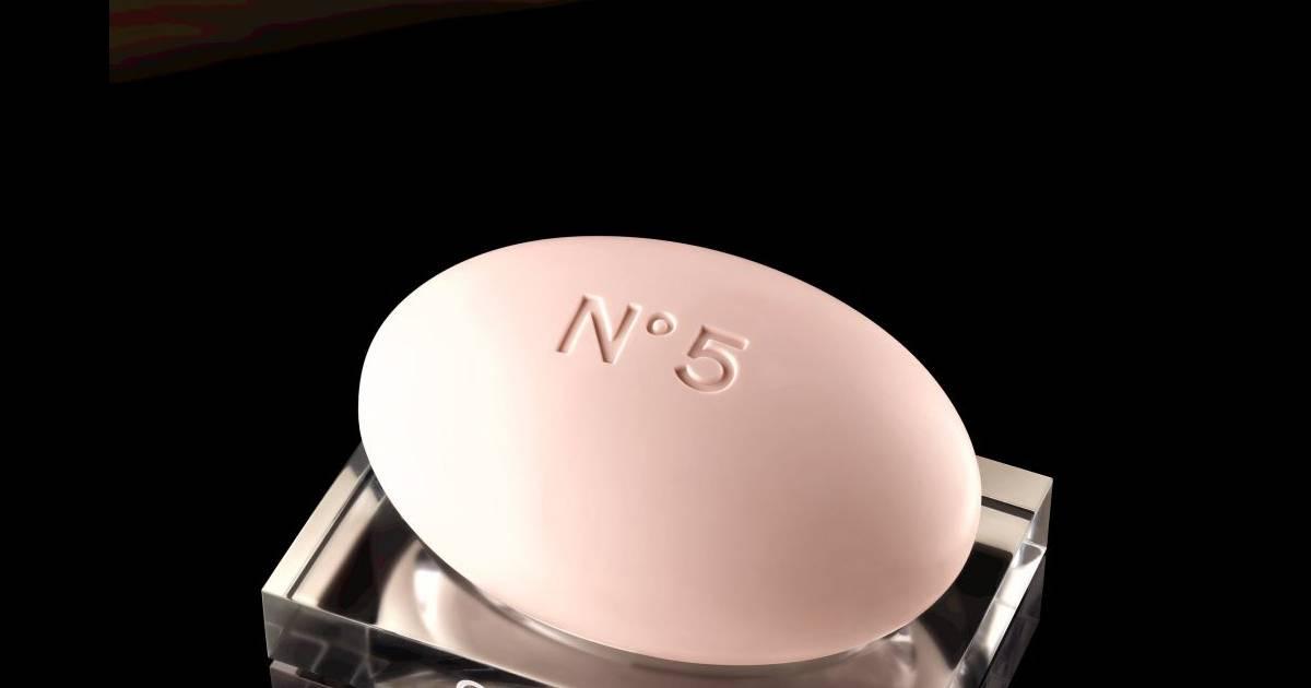 Le savon pour le bain n 5 est disponible au prix de 50 for Article pour le bain