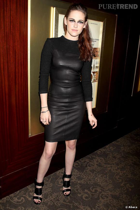 """Kristen Stewart fait sensation en robe A.L.C lors de la projection spéciale de """"Sur la Route"""" à New York."""