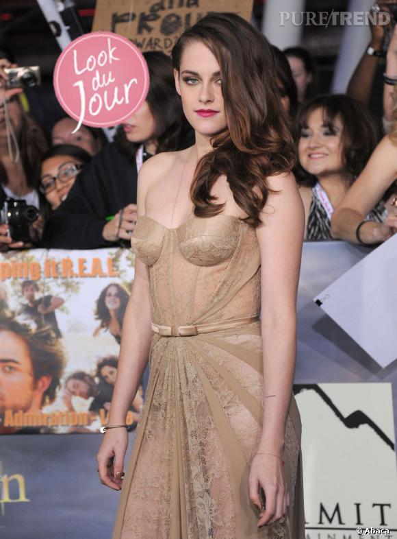 """Kristen Stewart à la première de """"Twilight – Chapitre 5 : Révélation 2e partie"""" à Los Angeles."""