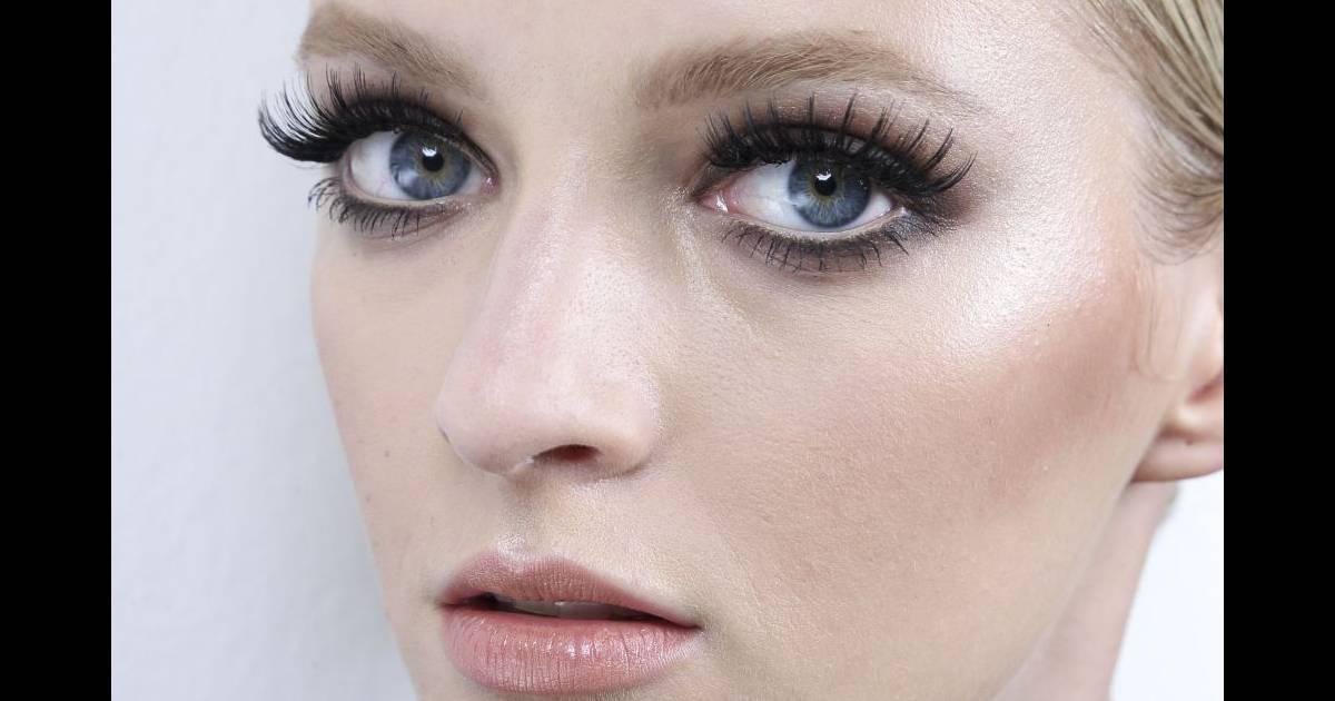 Comment appliquer des faux cils pour les yeux asiatiques