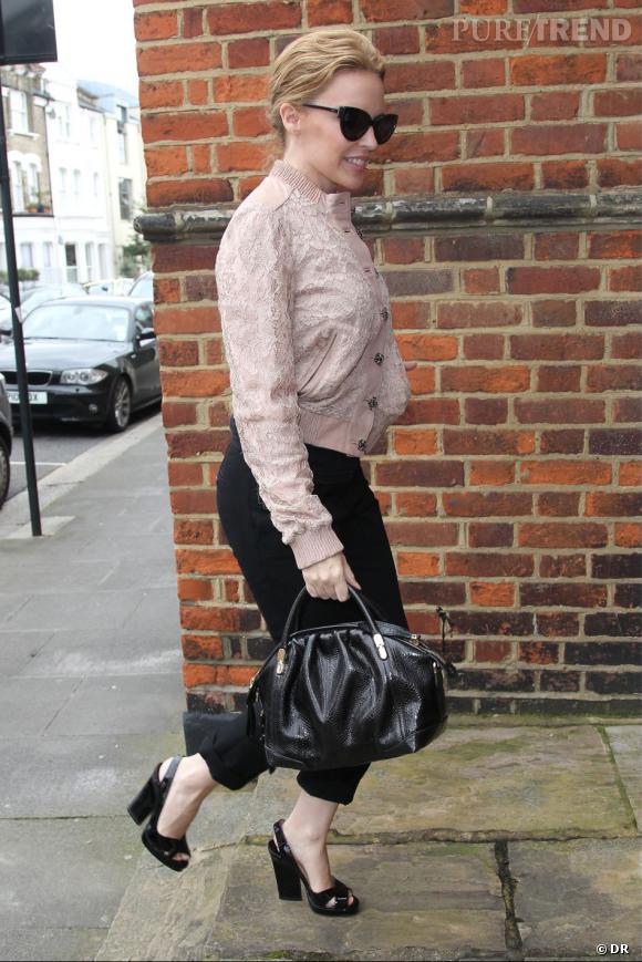 Le sac  La Rue  signé Nina Ricci est aussi l'it-bag de Kylie Minogue