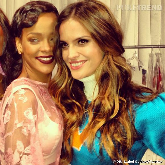 Rihanna et Izabel Goulart prennent la pose.