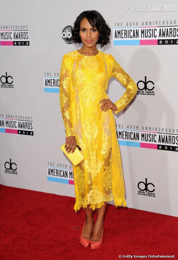 Kerry Washington illumine le classement des tops de la semaine grâce à sa robe couleur soleil.