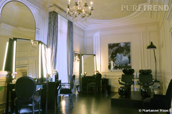 Le salon de Christophe Robin, écrin intime et raffiné au milieu de l'Hôtel Le Meurice.