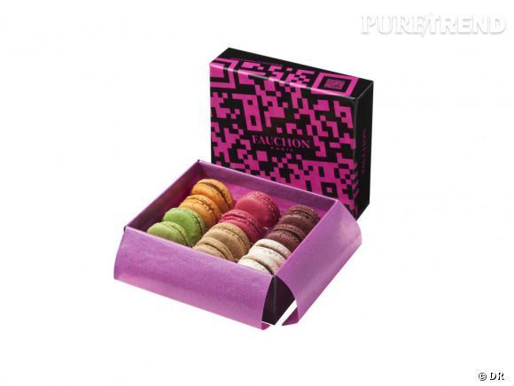 """Ecrin """"QR Code"""" de Fauchon, 26 € (Macarons goût chocolat, marron-mûre, caramel au beurre salé, framboise-rose, pistache-chocolat au lait, et fruits de la passion)"""