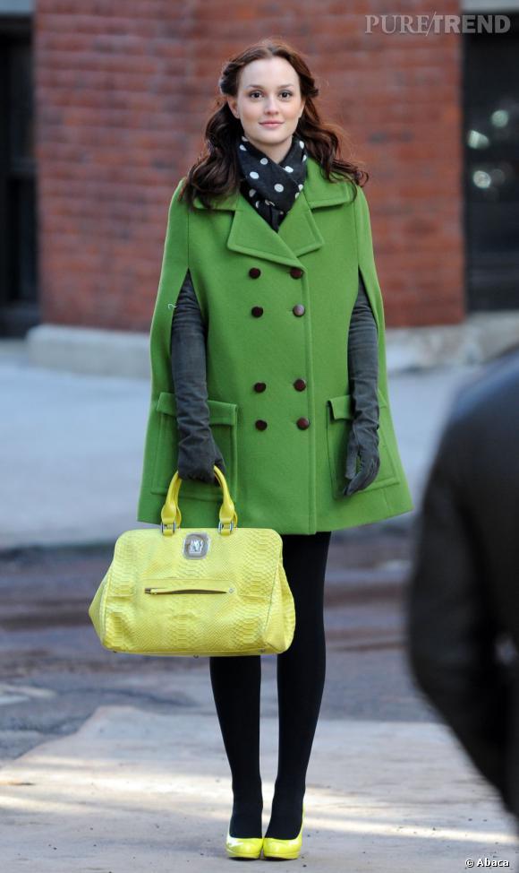 """Leighton Meester avec son personnage de """"Gossip Girl"""" est bien la reine incontestée des manteaux colorés. Tout un art."""