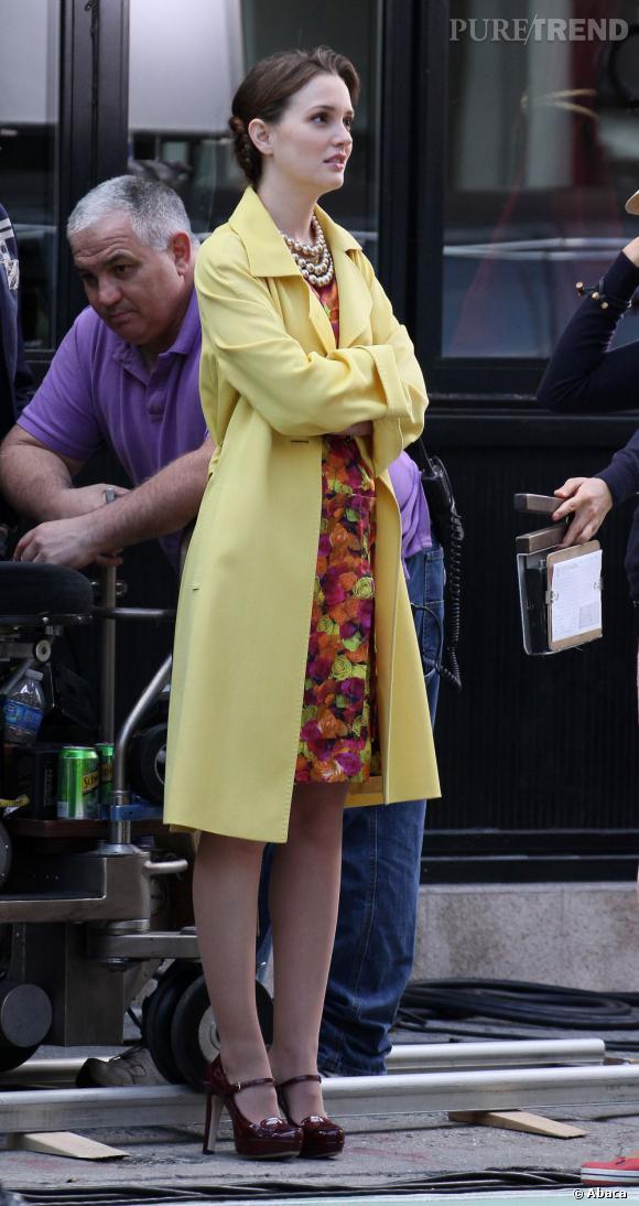 Leighton Meester et son manteau jaune.