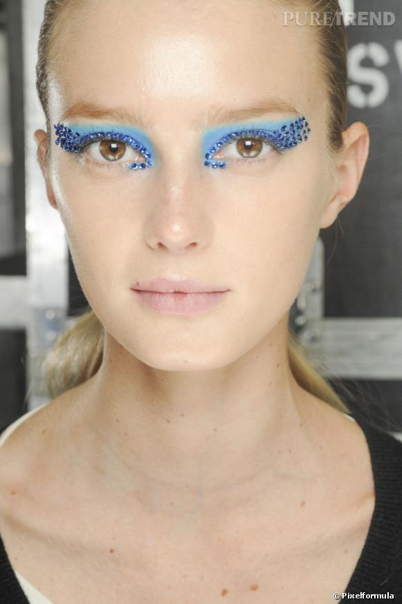 Le regard bijou     Défilé Dior Printemps-été 2013.