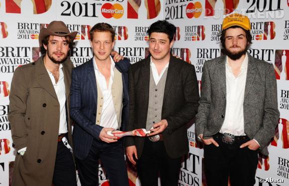 Mumford and Sons accumulent les nominations avec celle du groupe de l'année, meilleur performance live et succès global.