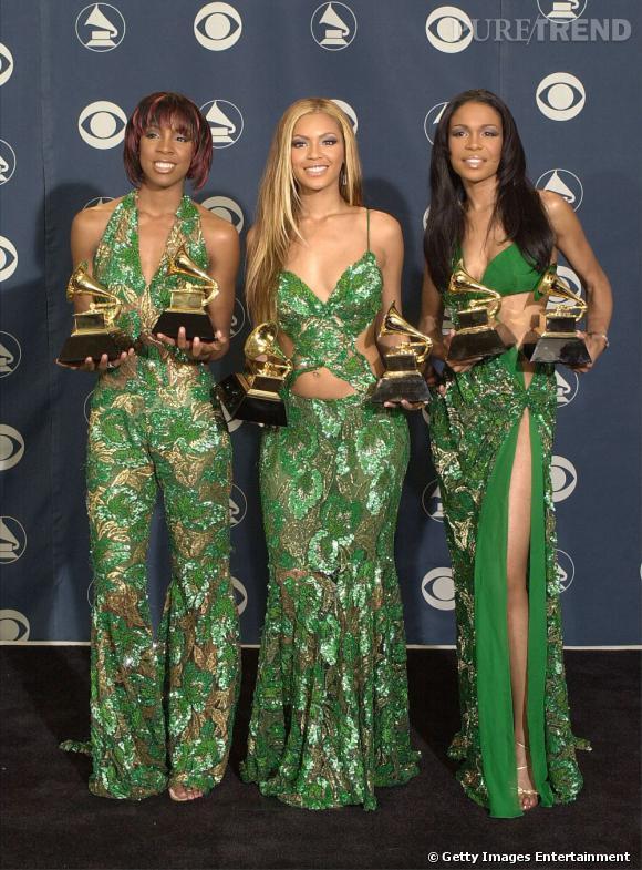 Les Destiny's Child en 2001 aux Annual Grammy Awards. Elles optent pour la déclinaison du même tissu sur trois tenues différentes.