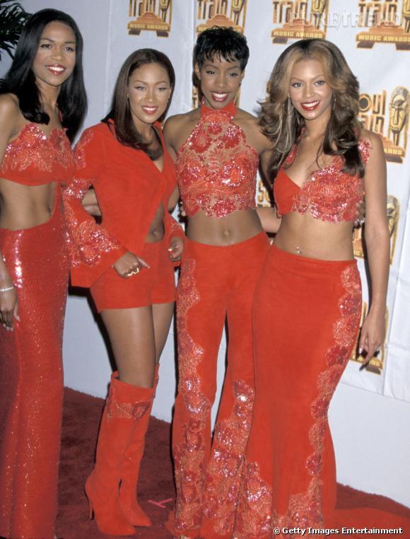 Les Destiny's Child en 2000. Michelle Williams, Farrah Franklin, Kelly Rowland et Beyonce Knowles jouent la carte de la coordination en orange citrouille.