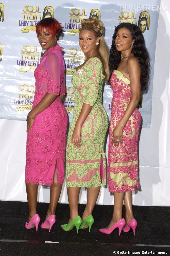 Les Destiny's Child en 2001. Les chanteuses jouent les berlingots.