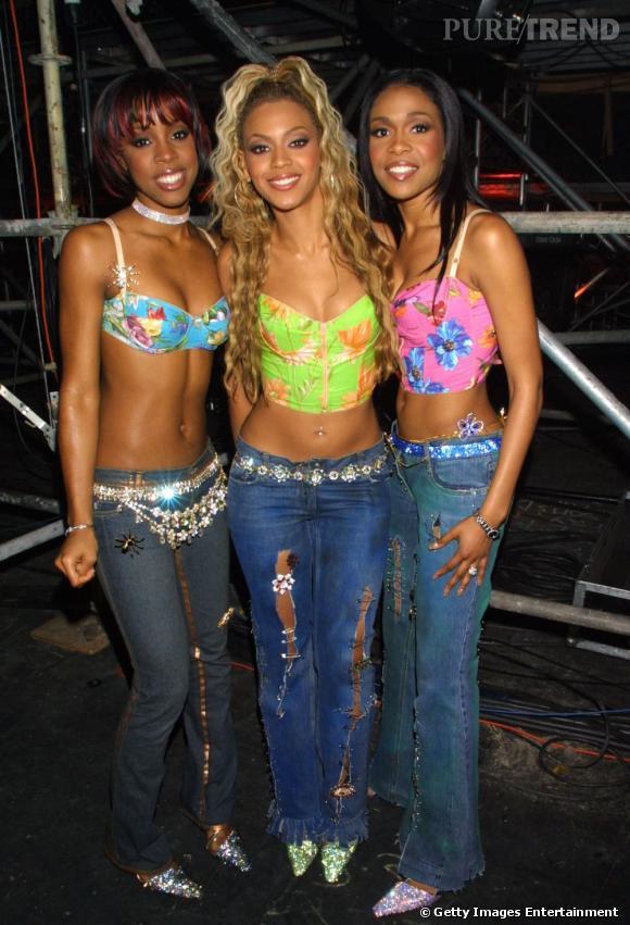 Les Destiny's Child en 2001. Elles passent aux jeans mais montrent toujours leurs nombrils.