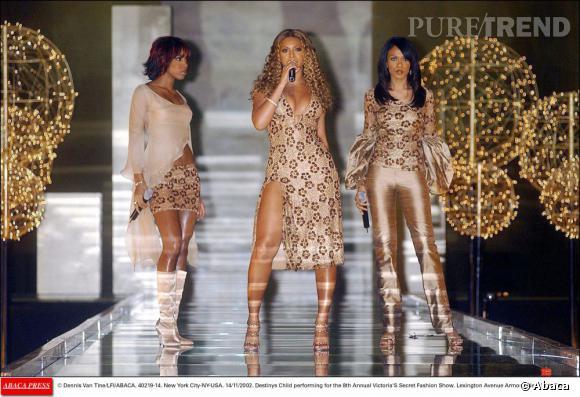 Les Destiny's Child en 2002 au défilé Victoria's Secret. Du moulants, du cours et du brillant, un cocktail bling bling parfait?