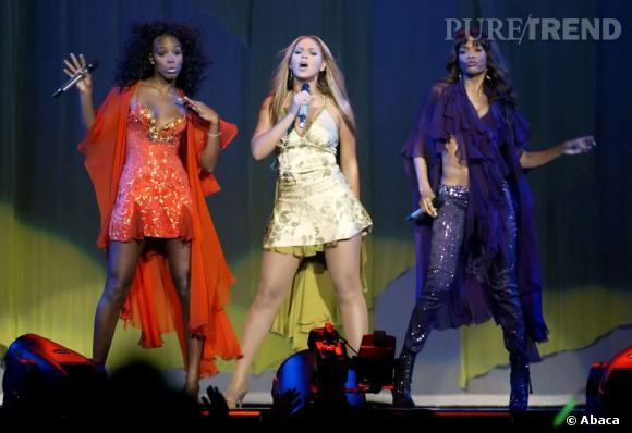 Les Destiny's Child en 2010 à Toronto. Beyoncé, Michelle et Kelly s'affichent enfin avec des tenues plus différentes mais toujours aussi colorées !