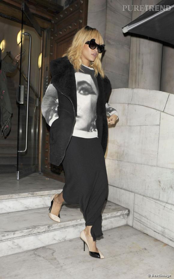 Rihanna craque pour le sweat Elizabeth Taylor à Londres.