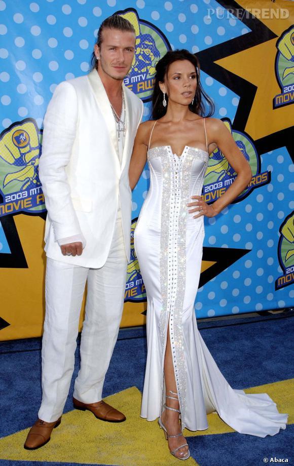 Le flop red carpet : le costume blanc, c'est non, trop cheap. Il ressemble à un chanteur de Boys Band.