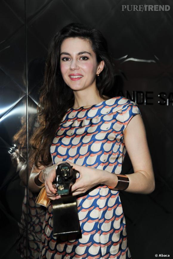 """C'est qui ? Julia Faure.  Où sera-t-elle en 2013 ? Elle sera à l'affiche du film """"A coup sûr""""... Mais on attend surtout Julia à la cérémonie des César 2013. La belle qui vient de remporter un Prix Lumière est nominée dans la catégorie du """"Meilleur espoir""""."""