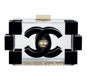 Must have it-bag : la minaudière Boy Chanel en plexi