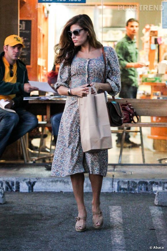 "Eva Mendes va lancer sa propre ligne de vêtements, ""Eva by Eva Mendes"", avec le revendeur New York & Company."