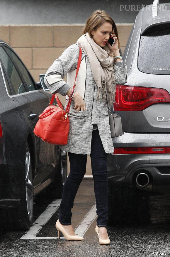 Jessica Alba dans les rues de Los Angeles le 19 février dernier.