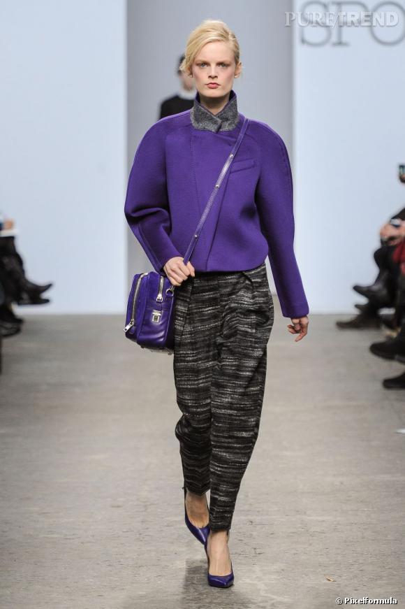 """Fashion Week de Milan Automne-Hiver 2013/2014 Défilé Sportmax. Coutures apparentes et factures """"molles"""" pour un hiver décontracté."""